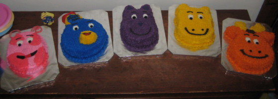 Backyardigan Cakes
